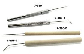 "7-390-E Single Teasing Needle w/ Wooden Handle 5-1/2"" Straight"